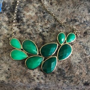 Jewelry - Gorgeous green adjustable statement necklace